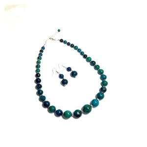 Jewelry - 💝Turquoise beaded necklace earring set